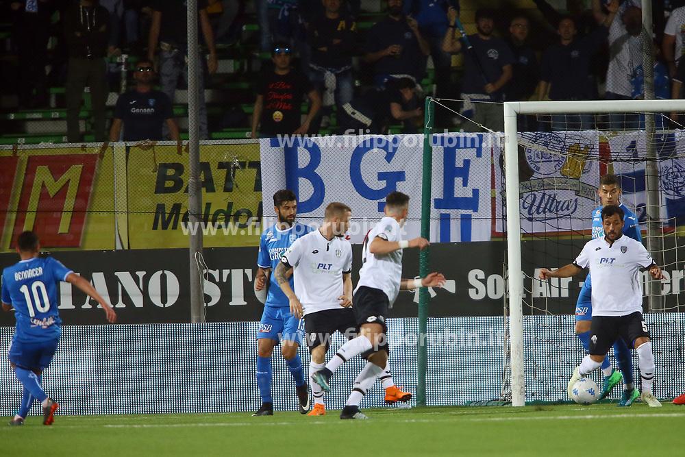 """Foto Filippo Rubin<br /> 17/04/2018 Cesena (Italia)<br /> Sport Calcio<br /> Cesena - Empoli - Campionato di calcio Serie B ConTe.it 2017/2018 - Stadio """"Dino Manuzzi""""<br /> Nella foto: GOAL EMPOLI DI ISMA…L BENNACER (EMPOLI)<br /> <br /> Photo by Filippo Rubin<br /> April 17, 2018 Cesena (Italy)<br /> Sport Soccer<br /> Cesena vs Empoli - Italian Football Championship League B 2017/2018 - """"Dino Manuzzi"""" Stadium <br /> In the pic: GOAL ISMA…L BENNACER (EMPOLI)"""