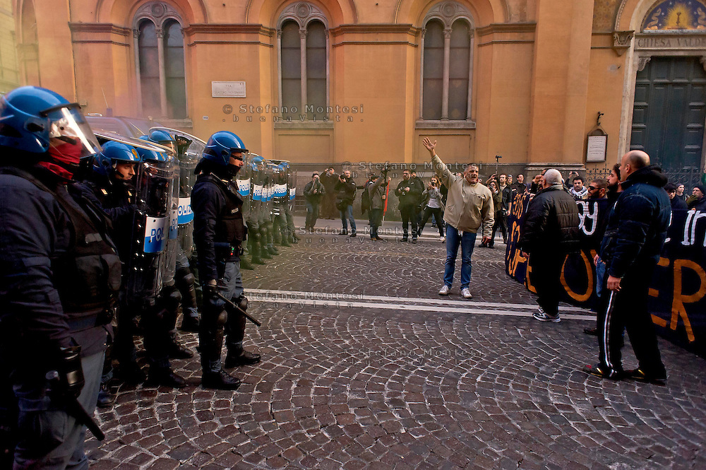 Roma, 14 Febbraio  2015<br /> Manifestazione di solidariet&agrave; con la Grecia di Alexis Tsipras e contro le politiche di austerity imposte dalla troika. La polizia in tenuta antissomossa in difesa della sede della Comunit&agrave; Europea.<br /> Rome, February 14, 2015<br /> Demonstration of solidarity with Greece  of Alexis Tsipras and against austerity policies imposed by the Troika. The police held antissomossa in defense of the headquarters of the European Community.