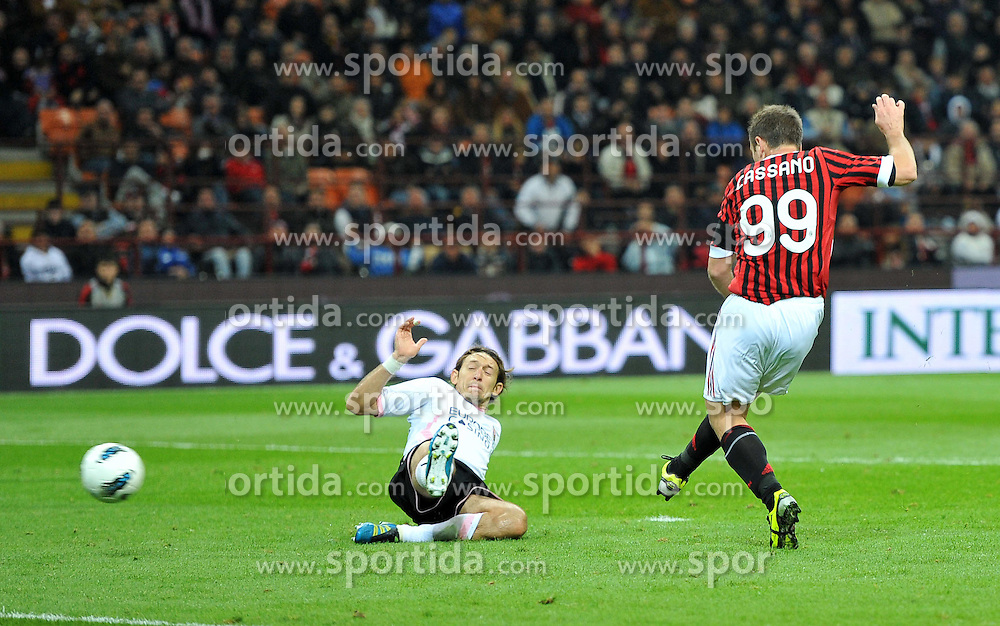 15.10.2011, Giuseppe-Meazza-Stadion, Mailand, ITA, Serie A, AC Mailand vs US Palermo, im Bild il gol di Antonio CASSANO (Milan)GOAL CELEBRATION. // during Serie A football match between AC Mailand and US Palermo at Giuseppe Meazza Stadium, Milan, Italy on 15/10/2011. EXPA Pictures © 2011, PhotoCredit: EXPA/ InsideFoto/ Alessandro Sabattini +++++ ATTENTION - FOR AUSTRIA/(AUT), SLOVENIA/(SLO), SERBIA/(SRB), CROATIA/(CRO), SWISS/(SUI) and SWEDEN/(SWE) CLIENT ONLY +++++