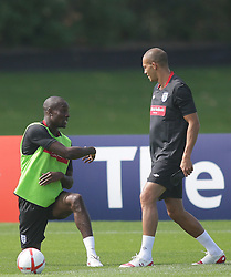 09.08.2010. Arsenal Training Ground, London, ENG, Nationalteam England Training, im Bild Bobby Zamora trains with Carlton Cole (R), EXPA Pictures © 2010, PhotoCredit: EXPA/ IPS/ Mark Atkins *** ATTENTION *** UK ..AND FRANCE OUT! / SPORTIDA PHOTO AGENCY