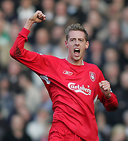 Photo: Lee Earle.<br /> Liverpool v Manchester United. The FA Cup. 18/02/2006. Liverpool's Peter Crouch celebrates scoring the winning goal.