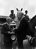 1962 - President  DeValera presents Aga Khan Cup at Horse Show.   C153.