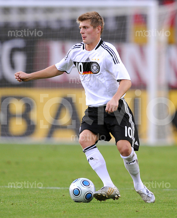 Fussball Nationalmannschaft :  Saison   2009/2010   04.09.2009 Fußball U21 : Deutschland - San Marino , GER - SM ,  Toni Kroos (GER)