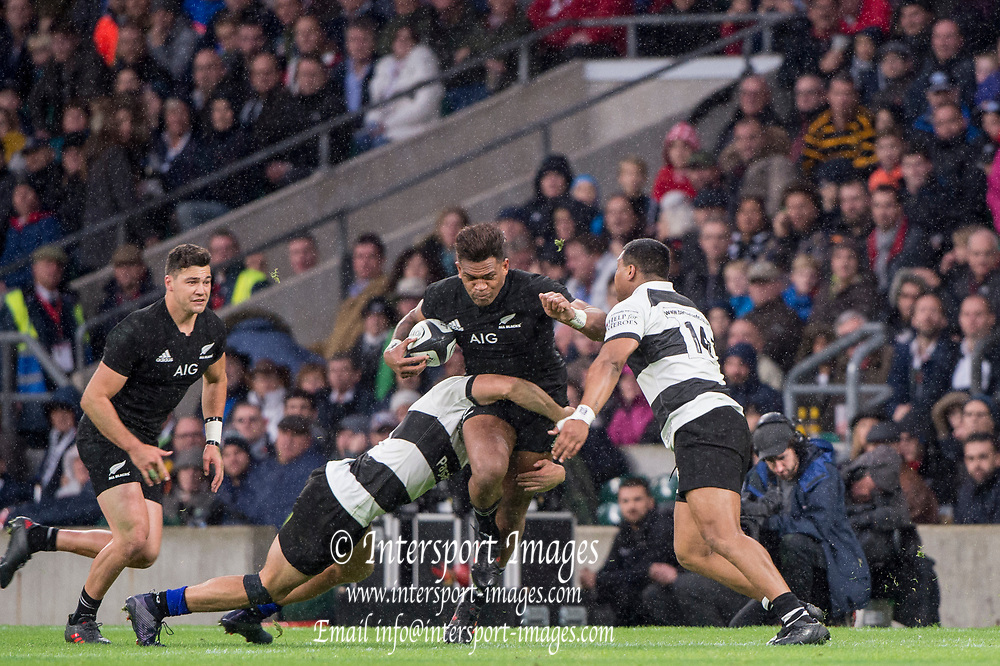 Twickenham, Surrey. England.  All Black, Seta TAMANIVALU, goes fro the gap, during the Killik Cup, Barbarians vs New Zealand. Twickenham. UK<br /> <br /> Saturday  04.11.17<br /> <br /> [Mandatory Credit Peter SPURRIER/Intersport Images]