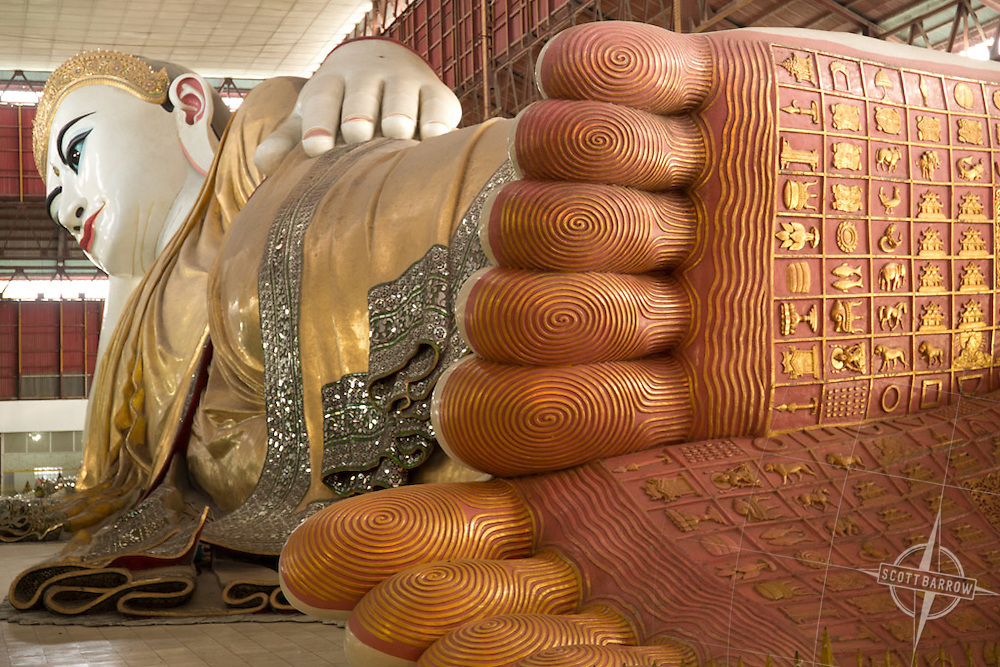 The 65 meter long reclining Buddha at the Chauk Htat Gyi Pagoda in Yangon, Myranmar.