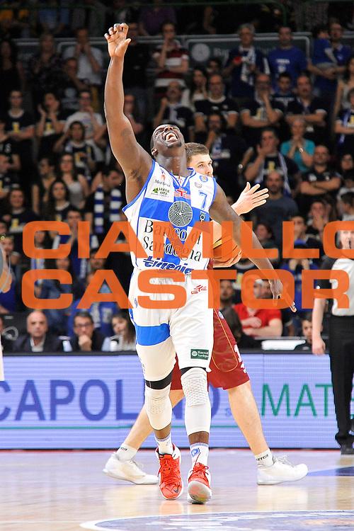 DESCRIZIONE : Campionato 2014/15 Dinamo Banco di Sardegna Sassari - Umana Reyer Venezia<br /> GIOCATORE : Rakim Sanders<br /> CATEGORIA : Mani Curiosit&agrave;<br /> SQUADRA : Dinamo Banco di Sardegna Sassari<br /> EVENTO : LegaBasket Serie A Beko 2014/2015<br /> GARA : Dinamo Banco di Sardegna Sassari - Umana Reyer Venezia<br /> DATA : 03/05/2015<br /> SPORT : Pallacanestro <br /> AUTORE : Agenzia Ciamillo-Castoria/C.Atzori