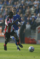 Photo: Pete Lorence.<br />Leicester City v Southampton. Coca Cola Championship. 14/10/2006.<br />Bradley Wright-Phillips charges down the wing.
