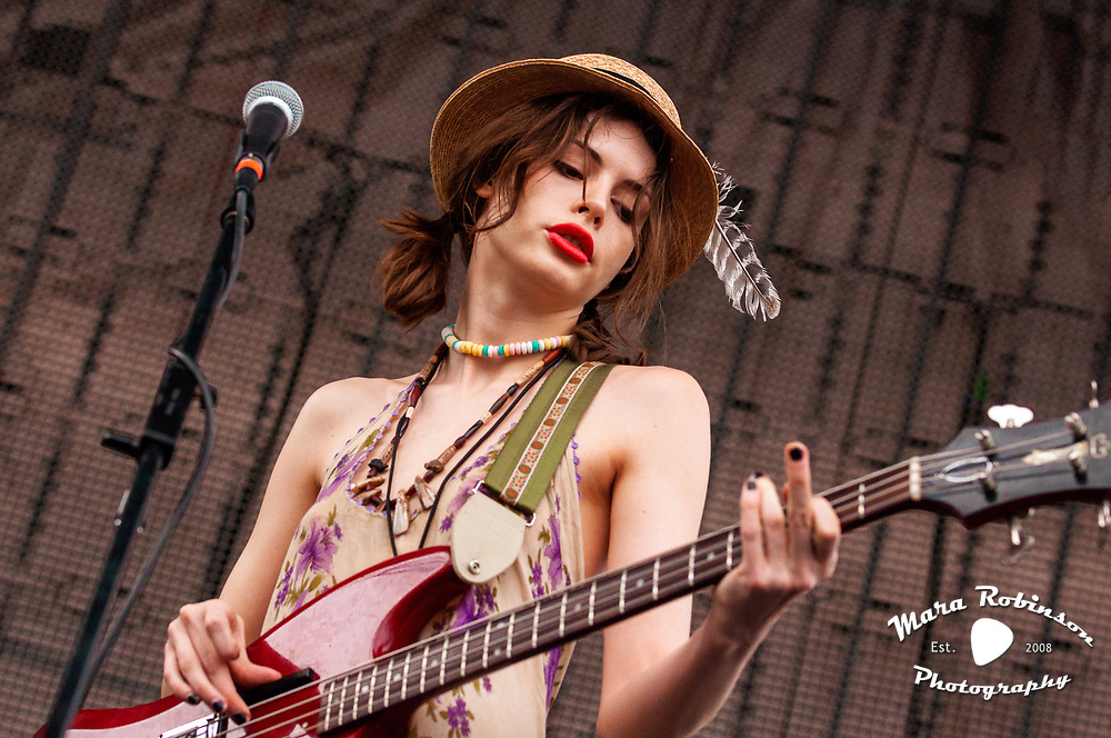 Charlotte Kemp Muhl in The Ghost of a Saber Tooth Tiger at Nelsonville Music Festival 2011 by best music photographer Mara Robinson