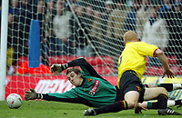Photograph: Scott Heavey.<br /> Watford v Chelsea. FA Cup Third Round. 03/01/2004.<br /> Lenny Pidgeley stretches to make another important save