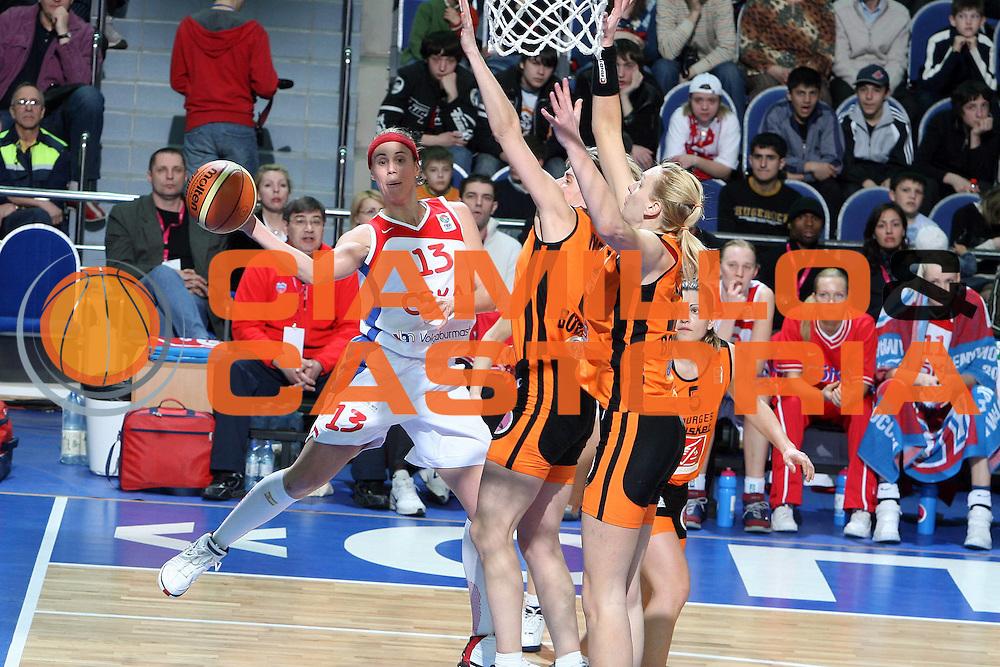 DESCRIZIONE : Mosca Moscow Region Eurolega Donne Euroleague Women Final Four 2007 Final 3-4 Place CSKA Samara-Basket Bourges<br /> GIOCATORE : Valdemoro<br /> SQUADRA : CSKA Samara<br /> EVENTO : Mosca Moscow Region Eurolega Donne Euroleague Women Final Four 2007 Final 3-4 Place CSKA Samara-Basket Bourges<br /> GARA : CSKA Samara Basket Bourges<br /> DATA : 01/04/2007 <br /> CATEGORIA : Penetrazione Passaggio<br /> SPORT : Pallacanestro <br /> AUTORE : Agenzia Ciamillo-Castoria/E.Castoria<br /> Galleria : Euroleague Women Final Four 2007<br /> Fotonotizia : Mosca Moscow Region Eurolega Donne Euroleague Women Final Four 2007 Final 3-4 Place CSKA Samara-Basket Bourges<br /> Predefinita : si