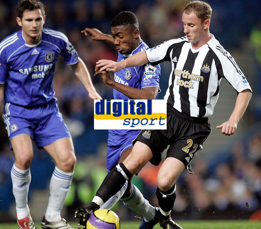 Photo: Marc Atkins.<br /> Chelsea v Newcastle United. The Barclays Premiership. 13/12/2006. Salomon Kalou of Chelsea in action with Nicky Butt of Newcastle Utd