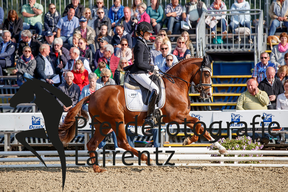 Duen, Danica (GER) Cosmo Royale<br /> Warendorf - Bundeschampionate 2017<br /> © www.sportfotos-lafrentz.de/Stefan Lafrentz