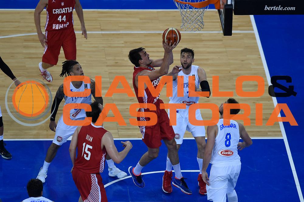 DESCRIZIONE: Torino FIBA Olympic Qualifying Tournament Italia - Croazia<br /> GIOCATORE: Hezonja Mario<br /> CATEGORIA: Nazionale Italiana Italia Maschile Senior<br /> GARA: FIBA Olympic Qualifying Tournament Italia - Croazia<br /> DATA: 05/07/2016<br /> AUTORE: Agenzia Ciamillo-Castoria