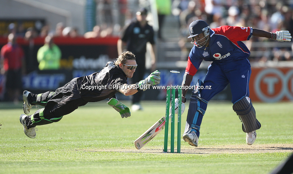 New Zealand wicketkeeper Brendon McCullum dives to take the bails off as Dimitri Mascarenhas just makes his ground.5th ODI cricket match between the New Zealand Blackcaps and England. AMI Stadium, Christchurch. Saturday 23 February 2008. Photo: Andrew Cornaga/PHOTOSPORT