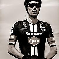 Nederland, Utrecht, 04-07-2015.<br /> Wielrennen, Tour de France, Proloog.<br /> Tom Dumoulin, de grote nederlandse favoriet, concentreert zich vlak voor zijn start van de proloog.<br /> Foto : Klaas Jan van der Weij