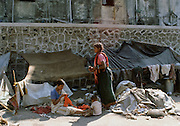 Life on the streets for Indian family living by the roadside in India