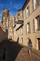 France, Cher (18), Bourges, cathédrale Saint-Etienne de Bourges, site classé Patrimoine mondial de l'UNESCO, rue du Guichet // France, Cher (18), Bourges, St Etienne cathedral, UNESCO world heritage, rue du guichet