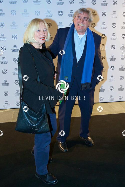 ROTTERDAM - In Theater De Goede Doelen is de 44ste International Film Festival Rotterdam geopend. Diversen genodigden en internationale sterren waren hierbij aanwezig. Met hier op de foto  Bram Peper en partner Maria Heiden. FOTO LEVIN DEN BOER - PERSFOTO.NU