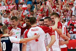 23-09-2019 NED: EC Volleyball 2019 Poland - Germany, Apeldoorn<br /> 1/4 final EC Volleyball - Poland win 3-0 / Dawid Konarski #3 of Poland, Piotr Nowakowski #1, Wilfredo Leon Venero #9 of Poland
