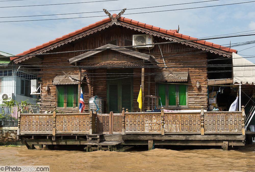 A wood house along a khlong (canal), Bangkok, Thailand