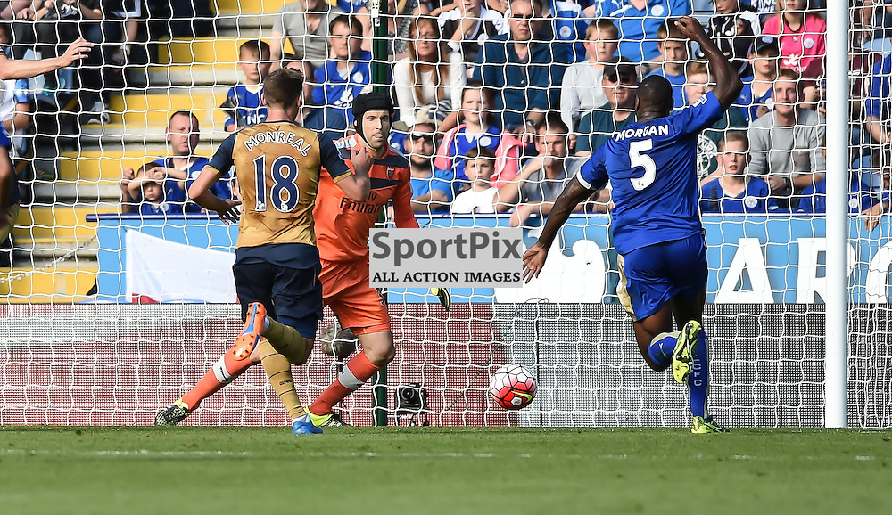 Wes Morgan goes close for Leicester as they seek an equaliser (c) Simon Kimber   SportPix.org.uk