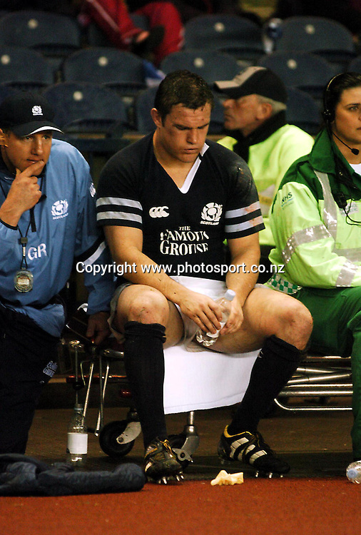Disappointed Scotish captain Gordon Bulloch during the match between Scotland and Australia at Murrayfield Stadium, Edinburgh, 6th November 2004.<br />