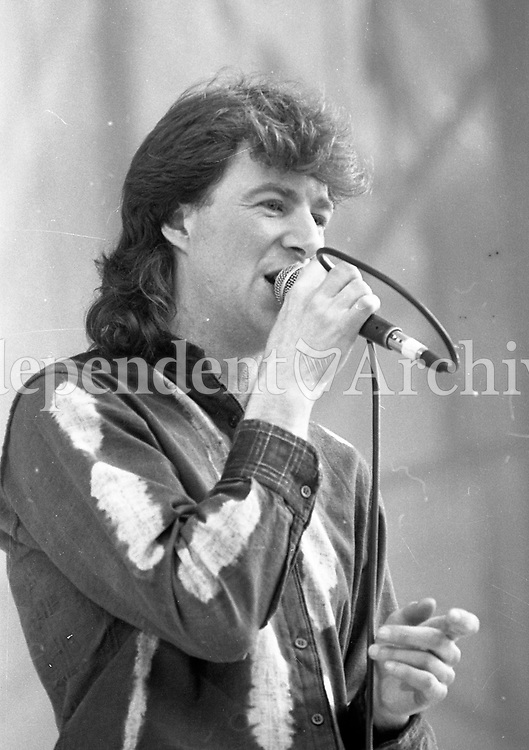 Moving Hearts in action during the Self-Aid benefit concert in the RDS, 17/05/1986 (Part of the Independent Newspapers Ireland/NLI Collection).