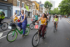 2019-07-17 XR Critical Mass/Hammersmith declares climate emergency