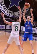 DESCRIZIONE : Roma Amichevole Pre Eurobasket 2015 Nazionale Italiana Femminile Senior Italia Ungheria Italy Hungary<br /> GIOCATORE : Elisa Penna<br /> CATEGORIA : passaggio<br /> SQUADRA : Italia Italy<br /> EVENTO : Amichevole Pre Eurobasket 2015 Nazionale Italiana Femminile Senior<br /> GARA : Italia Ungheria Italy Hungary<br /> DATA : 15/05/2015<br /> SPORT : Pallacanestro<br /> AUTORE : Agenzia Ciamillo-Castoria/Max.Ceretti<br /> Galleria : Nazionale Italiana Femminile Senior<br /> Fotonotizia : Roma Amichevole Pre Eurobasket 2015 Nazionale Italiana Femminile Senior Italia Ungheria Italy Hungary<br /> Predefinita :