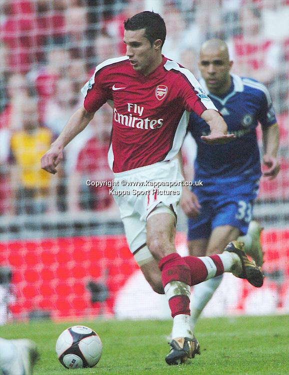 ROBIN VAN PERSIE, ARSENAL, Arsenal v Chelsea, FA Cup Semi Final, Wembley Stadium, Saturday 18th April 2009