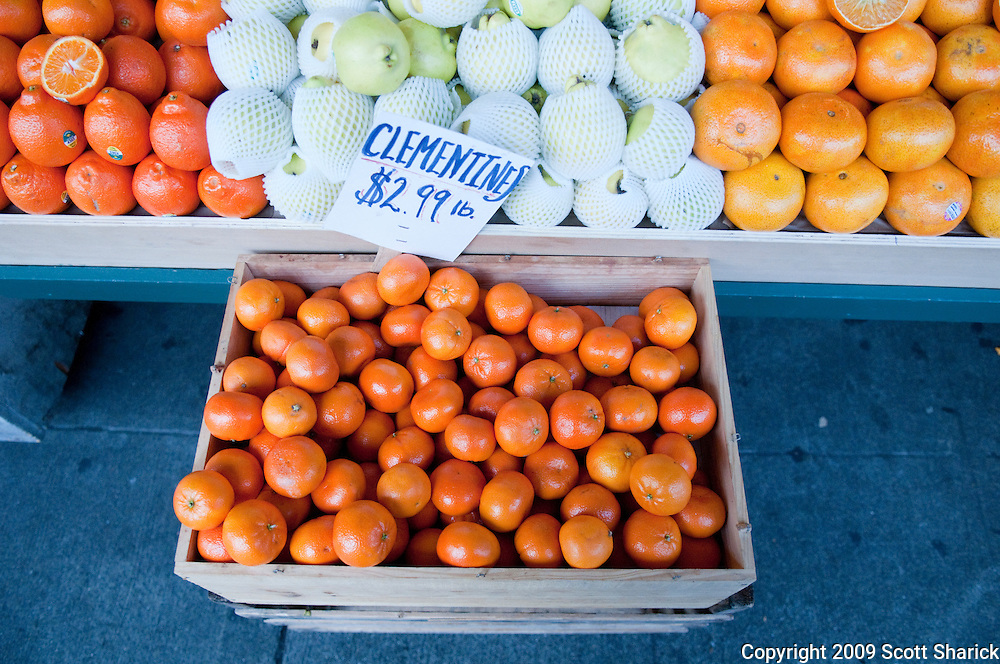 Fresh clementines in a Farmers Market in Seattle. Missoula Photographer