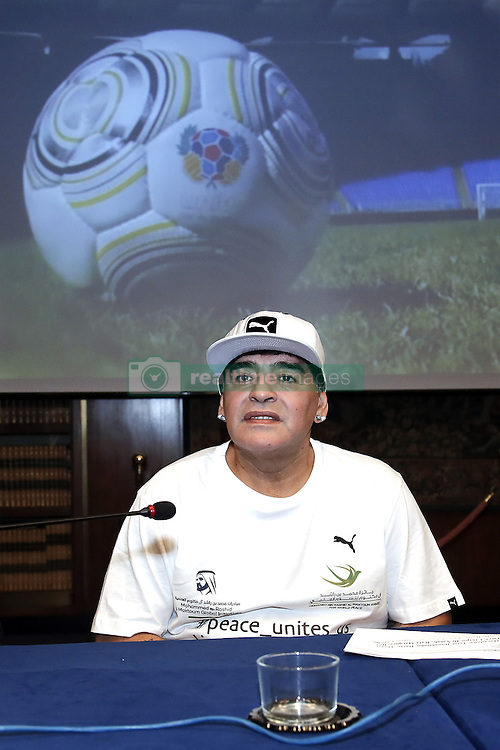 Diego Armando Maradona bei einer Pressekonferenz zum Benefiz-Fussball-Event Spiel f¸r den Frieden am 12. Oktober 2016 in Rom / 101016<br /> <br /> ***Match of Peace: United For Peace' photocall, Rome, Italy on october 10, 2016***