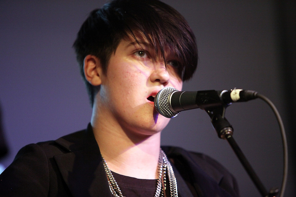 NEW YORK - OCTOBER 22:  Romy Madley-Croft of the xx performs onstage at the Apple Store Soho on October 22, 2009 in New York City.  (Photo by Roger Kisby/Getty Images)