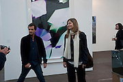 DAVID HEYMAN AND HIS WIFE, Opening of Frieze 2009. Regent's Park. London. 14 October 2009 *** Local Caption *** -DO NOT ARCHIVE-© Copyright Photograph by Dafydd Jones. 248 Clapham Rd. London SW9 0PZ. Tel 0207 820 0771. www.dafjones.com.<br /> DAVID HEYMAN AND HIS WIFE, Opening of Frieze 2009. Regent's Park. London. 14 October 2009