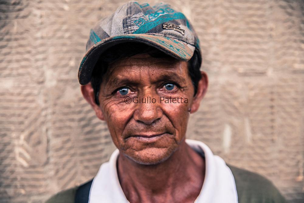 Pedro Juan Caballero - Ponta Porã, border Paraguay - Brazil. A street seller