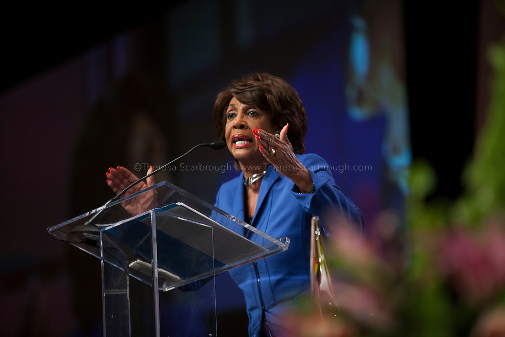 Detroit, Michigan, USA. 28th Oct, 2017. Congresswoman Maxine Waters speaks at the Sojourner Truth Lunch during the Women's Convention held at the Cobo Center, Detroit Michigan, Saturday, October 28, 2017