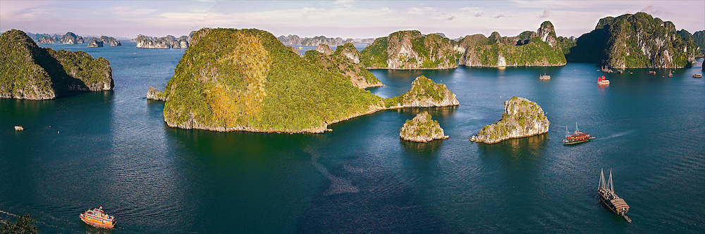 halong bay-the unesco world heritage of Vietnam- it have over 1900 small limestone islands and the best destination<br /> for travel,sight-seeing,discovery,relaxation. ho&agrave;ng thế nhiệm