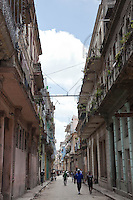 Simply bursting with life Havana's streets are a jumbled collage of magnificent, yet sometimes crumbling, colonial architecture and classic cars.