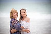 sanders family photos on the coromandel at otama & kuaotunu coromandel photographer felicity jean photography beach & garden portraits new zealand