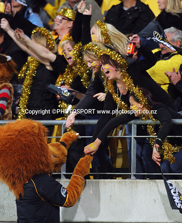Lions supporters celebrate.<br /> Air NZ Cup semi-final. Wellington Lions v Southland Stags at Westpac Stadium, Wellington, New Zealand, Friday, 17 October 2008. Photo: Dave Lintott/PHOTOSPORT