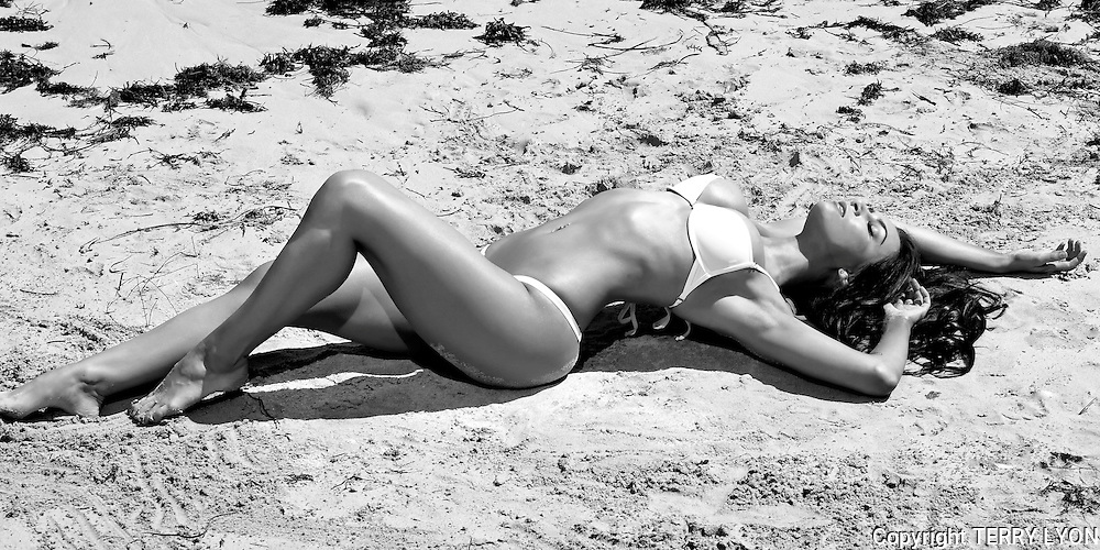 Amy Wright Cottesloe Beach shoot<br /> Terry Lyon Photography, , Terry Lyon Photography