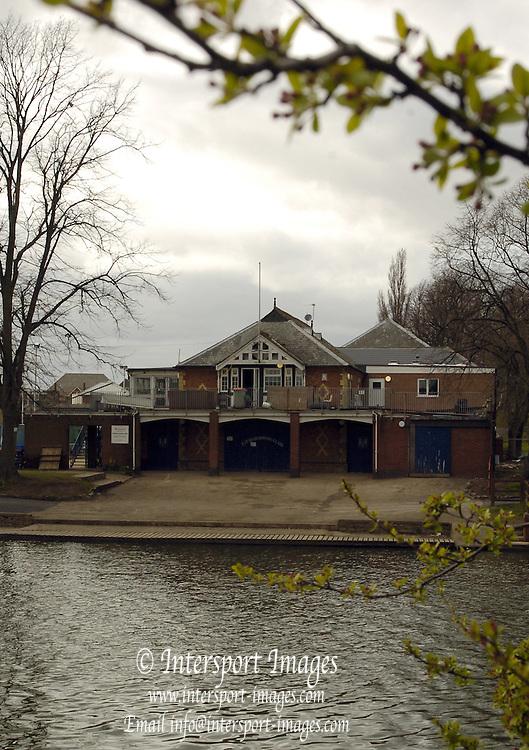 Evesham Rowing Club, Evesham, Worcester, ENGLAND.12.04.2006.  All Rights Reserved - Peter Spurrier/Intersport Images,  Mobile 44 (0) 7973 819 551.email images@intersport-images.com