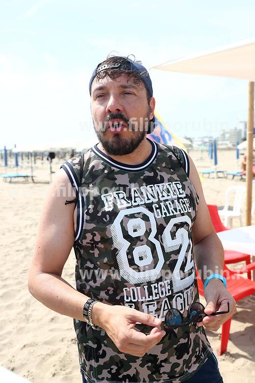 ADRIANO BARTOLUCCI<br /> BEACH PRIDE LIDO ESTENSI BAGNO BLUEMOON
