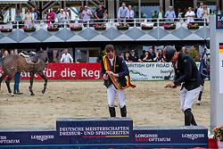 Haßmann Felix (GER), Sosath Hendrik (GER)<br /> Balve - Longines Optimum 2019<br /> Siegerehrung<br /> LONGINES Optimum Preis<br /> Deutsche Meisterschaft der Springreiter<br /> Finalwertung<br /> 16. Juni 2019<br /> © www.sportfotos-lafrentz.de/Stefan Lafrentz