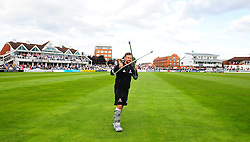 James Hildreth of Somerset applauds the crowd.  - Mandatory by-line: Alex Davidson/JMP - 22/09/2016 - CRICKET - Cooper Associates County Ground - Taunton, United Kingdom - Somerset v Nottinghamshire - Specsavers County Championship Division One