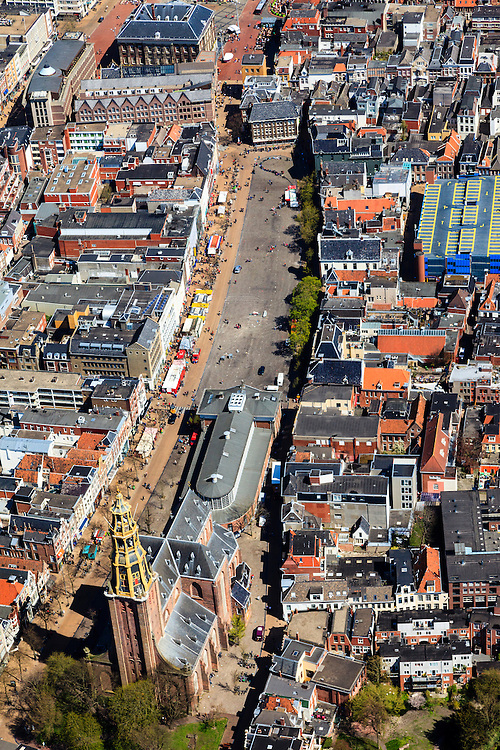 Nederland, Groningen, Groningen, 01-05-2013;<br /> Nederland, Groningen, Groningen, 01-05-2013; Groningen-stad, centrum. Vismarkt met De Korenbeurs, A-kerkhof met der Aa-kerk. Boven het Stadhuis op de Grote Markt.<br /> View on the city of Groningen, old town. Der Aa-kerk (church) and the City Hall (top pic).<br /> luchtfoto (toeslag op standard tarieven)<br /> aerial photo (additional fee required)<br /> copyright foto/photo Siebe Swart