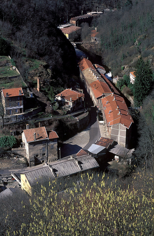 18/11/05 - THIERS - PUY DE DOME - FRANCE - La Vallee des Usines - Photo Jerome CHABANNE