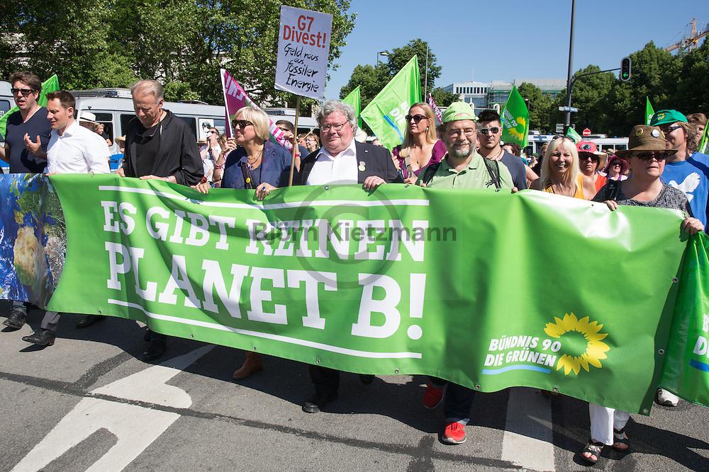Munich, Germany - 04.06.2015 <br /> <br /> Thousands protest in Munich against the upcoming G7 summit. According to the organizers approximately 40,000 people join in the anti-G7 demonstration.<br /> <br /> Tausende protestieren in Muenchen gegen den bevorstehenden G7-Gipfel. Laut den Veranstaltern beteiligten sich etwa 40.000 Menschen an der Anti-G7 Demonstration.<br /> <br /> Photo: Bjoern Kietzmann