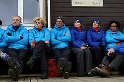 05-07-2014 NED: Iceland Diabetes Challenge dag 1, Landmannalaugar <br /> Vandaag ging de challenge van start. Met een bus gingen we van Vogar naar Landmannalaugar en zagen we de eerste tekenen van het prachtige landschap van IJsland / Harold, Sandra, Wim, Sabine, Debbie, Ellen