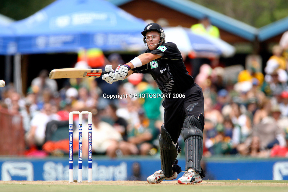 New Zealand's Lou Vincent batting during the 5th ODI International cricket match between South Africa and New Zealand at  Centurion, Pretoria, South Africa, on 6 November 2005. Photo: Carl Fourie/PHOTOSPORT<br /> <br /> 061105 cricketer supersport park batsman